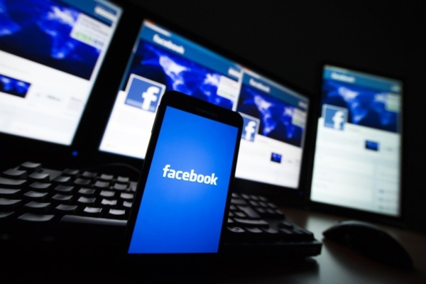 Facebook Tren Smartphone